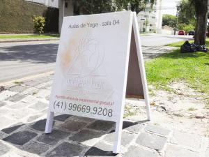 cavalete-yoga-curitiba-paidosadesivos16