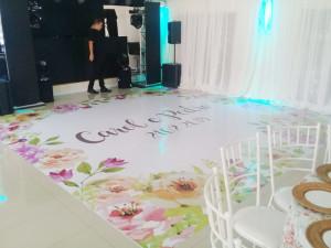 pista-belvedere-5x5m-floral-tropical-paidosadesivos