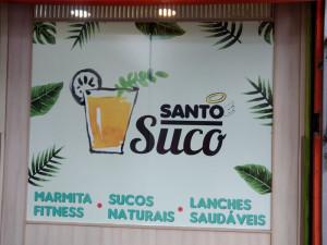 santo-suco-adesivo-vitrine-curitiba1-paidosadesivos