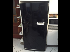 geladeira-adesivoblackpiano-paidosadesivos2016