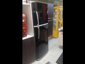 geladeira-adesivopreto-paidosadesivos