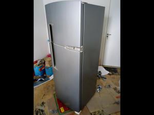 geladeira-cinzainox-envelopamento-paidosadesivos