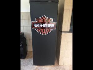 geladeira-harleydavidson-envelopamento-paidosadesivos