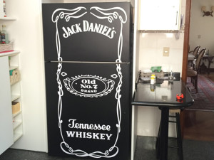 geladeira-jackdaniels-preta-paidosadesivos