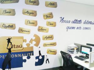 Adesivo Parede Comercial Itaú